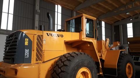 VOLVO L220E