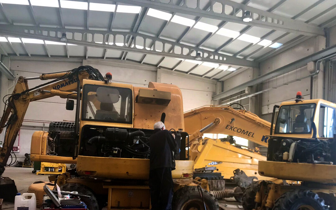 Reparación de 2 excavadoras Komatsu PW110